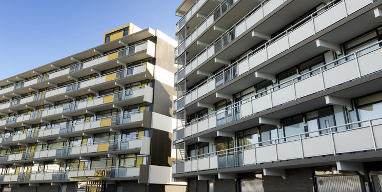 Woningverbetering van zes flatgebouwen aan de Kalslagerring.