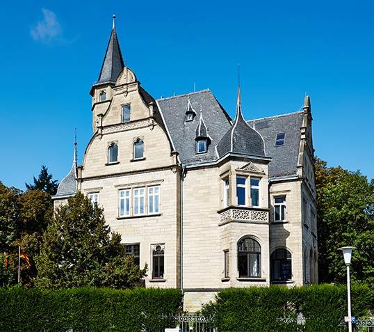 Villa nach einem Entwurf der Kölner Architekten Alfred Müller und Otto Grahvon