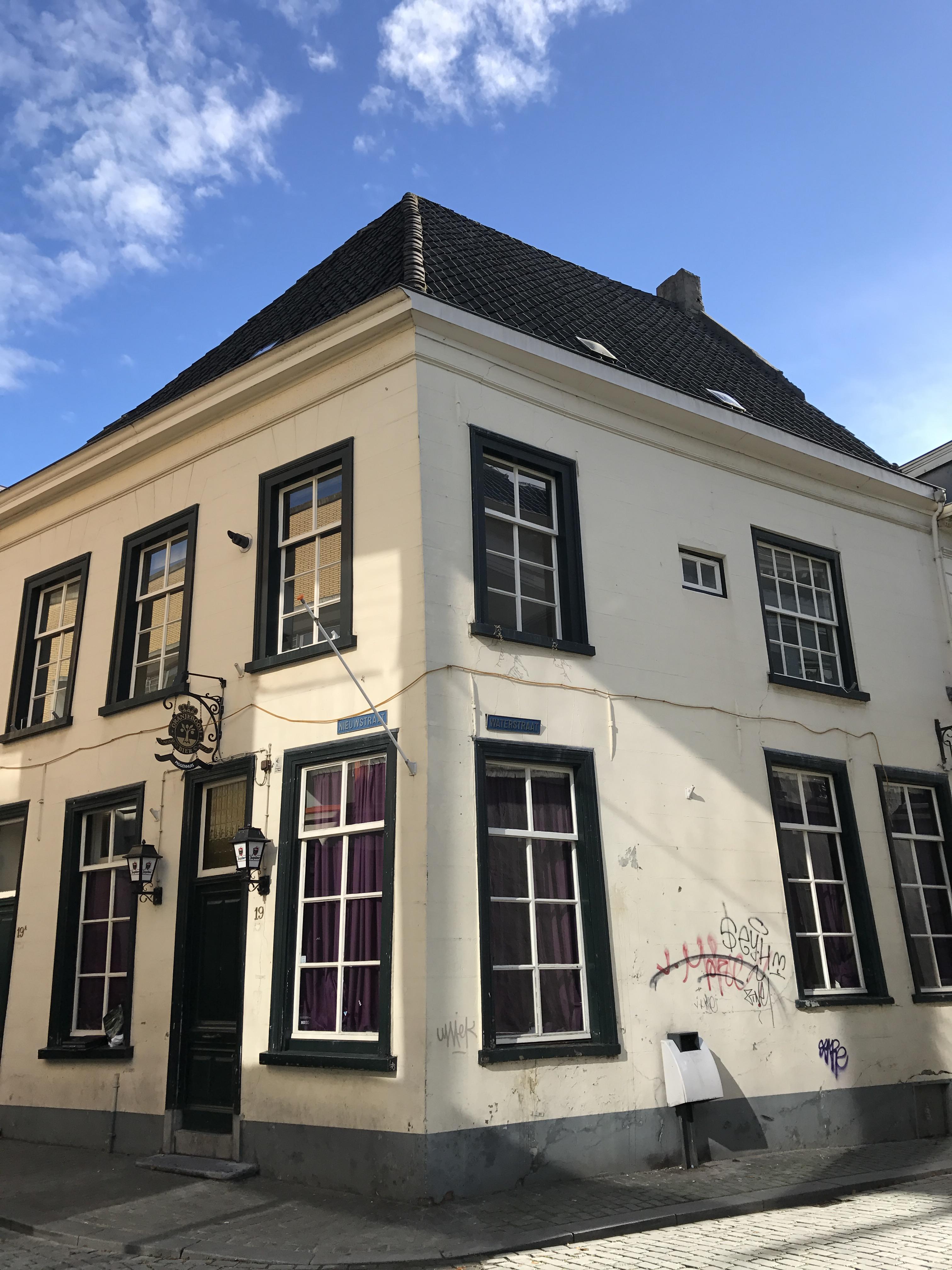 Piggenhuis-Breda-Voor