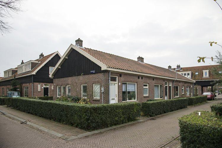 Ruim 200 woningen gerenoveerd in Amsterdam.